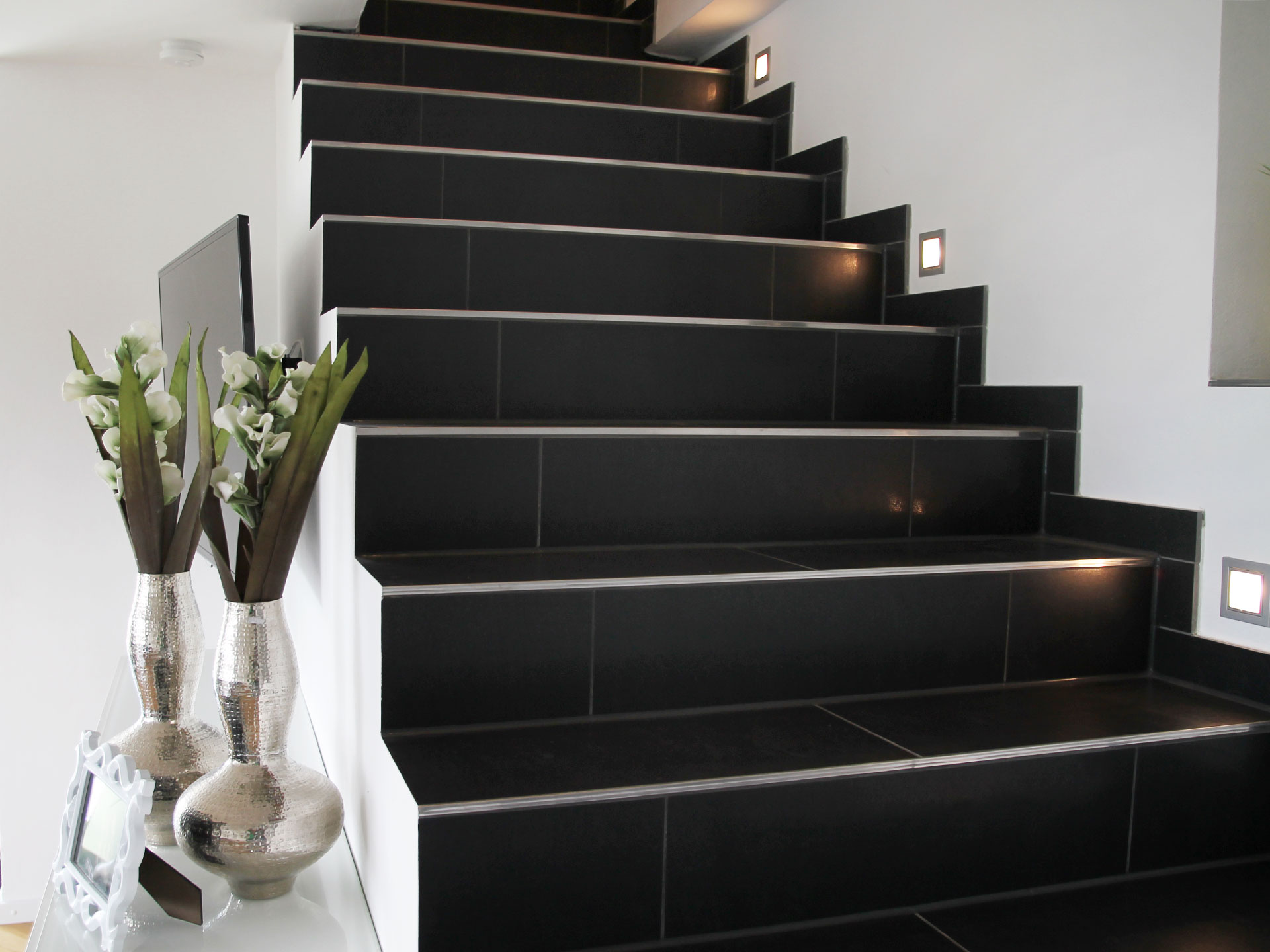 referenzen treppe und flur i creativ fliesen gmbh. Black Bedroom Furniture Sets. Home Design Ideas